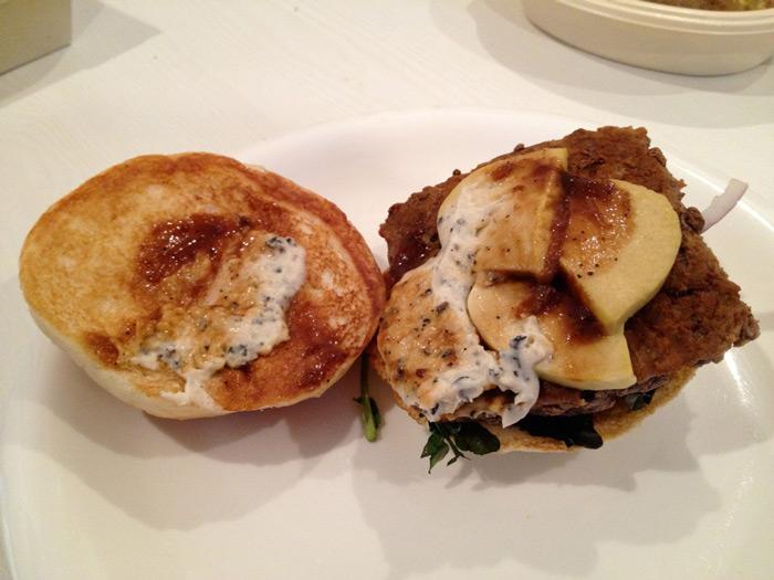 phileas frogg wendy 39 s foie gras rossini burger en direct de tokyo. Black Bedroom Furniture Sets. Home Design Ideas