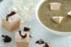 Recette «Marque Repére» : Dés de foie gras aux éclats de chocolat noir et velouté lentilles/foie gras avec ses cubes de sauternes gélifiés