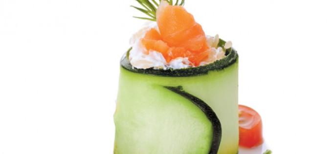 Recette Philadelphia : roulades de concombre au saumon fumé