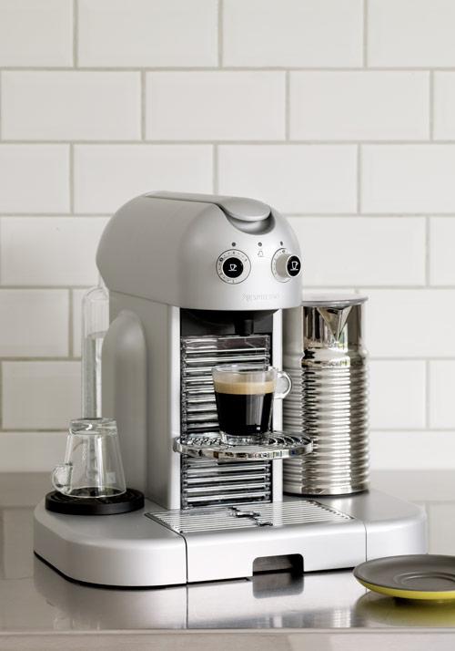 nouvelle machine caf. Black Bedroom Furniture Sets. Home Design Ideas