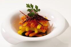 Recette : vapeur de carotte de couleurs aux épices et jus de persil