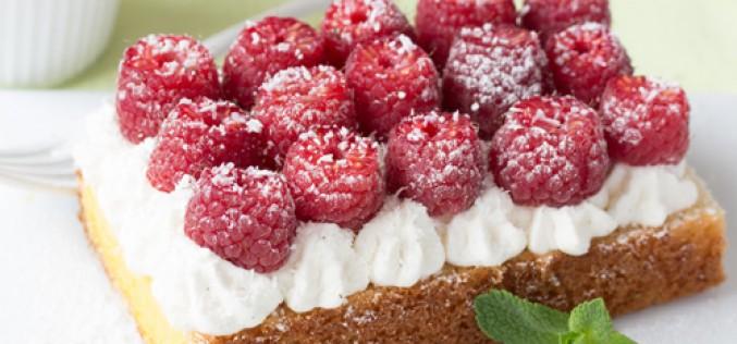 Recette : tarte «Quatre-quarts» express sans cuisson, aux framboises et noix de coco