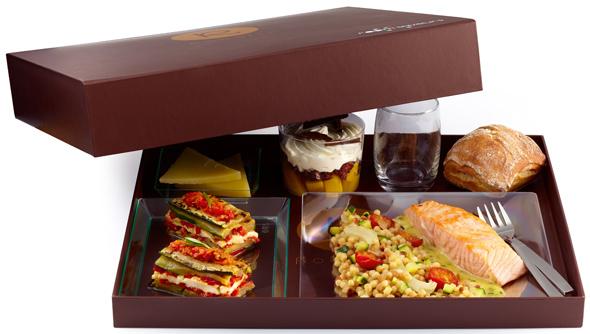 plateaux repas room saveurs et le samu social actualit s culinaires. Black Bedroom Furniture Sets. Home Design Ideas