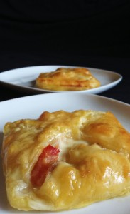 recette feuillet s tomate mozzarella et thon actualit s culinaires. Black Bedroom Furniture Sets. Home Design Ideas