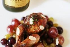 Recette : Caille laquée au citron confit, raisins et olives caramélisées