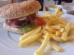 0415_Burger_Tabasco1