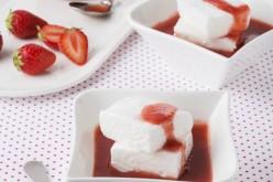 Recette : œufs à la neige minute et son coulis de fraise-grenadine