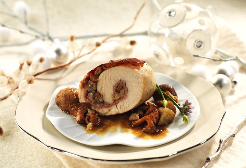 recette f te papillotes de poulet farcies aux champignons actualit s culinaires. Black Bedroom Furniture Sets. Home Design Ideas