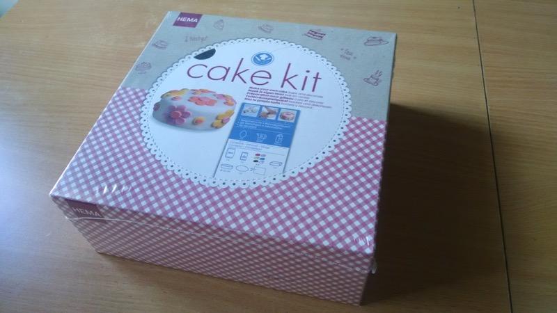 0916_kit_cake_-1