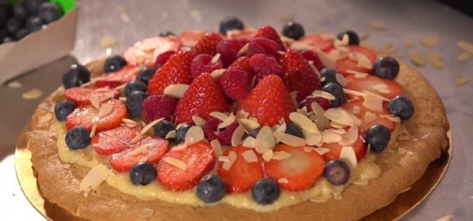Recette aux fraises : ze big cookie, à la crème d'amande et fruits rouges