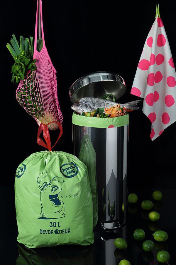 le sac poubelle anti odeurs existe actualit s culinaires. Black Bedroom Furniture Sets. Home Design Ideas
