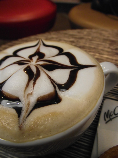 0212_McCafe_dessin-mousse-lait