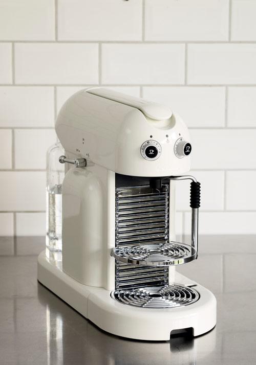 Machine Nespresso Maestria : café chic [+vidéo] - Frigoandco