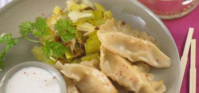 Recette : Ravioles de Saint-Jacques, fondue de poireaux et sauce crémée au Floc de Gascogne blanc