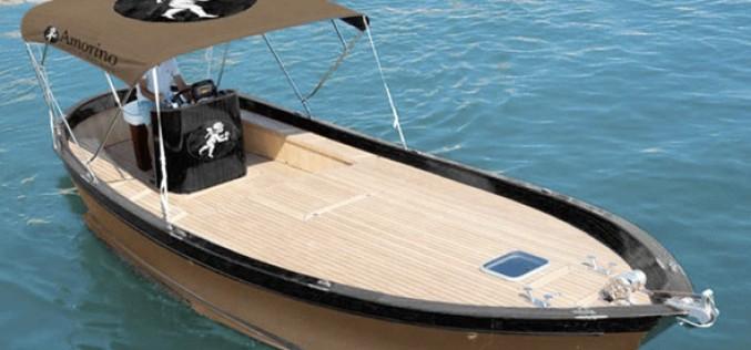 L'instant jet set : la livraison de glace en bateau