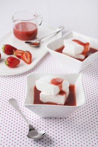 015_recette_oeuf-neige-coulis-sirop-fraise-grandine