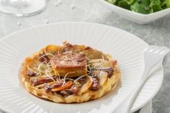 Recette – entrée : tarte tatin au magret de canard et foie gras poêlé