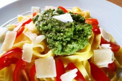Recette simple : pesto basilic au mixeur (vidéo)