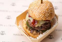 0916_burger_truffe_cheddar_pastrami